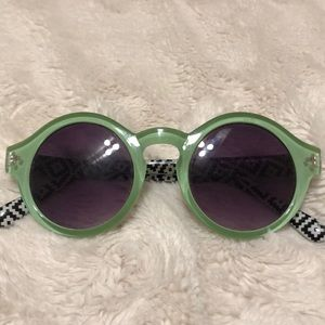 Accessories - Green framed sunglasses